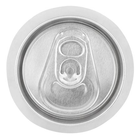 lata de refresco: Primer plano de la soda de aluminio puede aislado en el fondo blanco. Vista superior