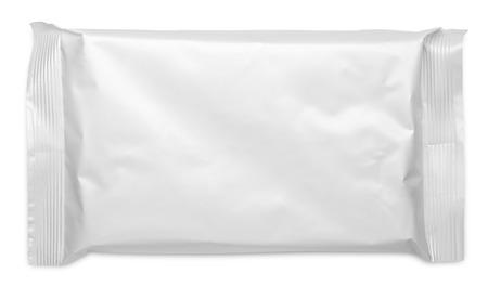 mojada: Envasado de alimentos bolsa de plástico blanco aislado en fondo blanco