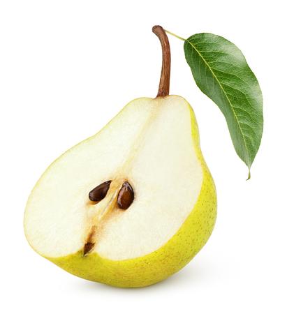 pera: La mitad de las peras amarillo con hojas aisladas sobre fondo blanco Foto de archivo
