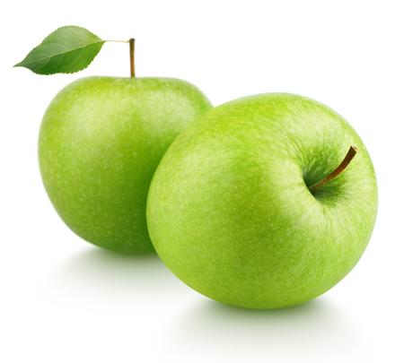 manzana verde: Dos maduras frutas de manzana verde con manzana verde hoja aislada sobre fondo blanco Foto de archivo