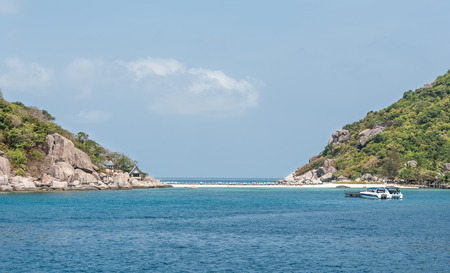 Koh Nang Yuan, a beautiful island with white sand and clear water. photo