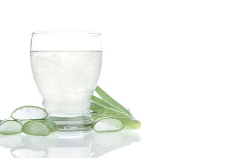 sappen: Aloe vera water Kan helpen neutraliseren vrije radicalen Draagt bij aan veroudering. En bijdragen aan de versterking van het immuunsysteem, alsmede Stockfoto
