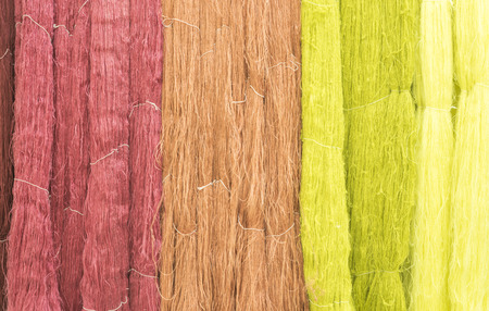 dyeing: Through a variety of colorful silk dyeing.