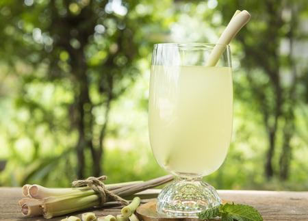 lemon grass: Fresh lemon grass water healthy drinks