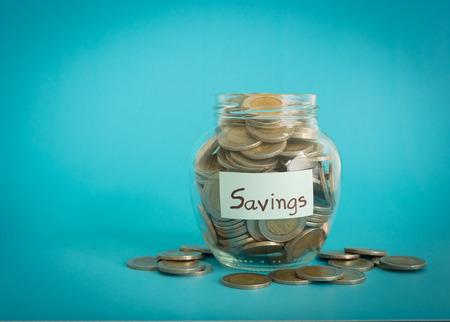 Oszczędność pieniędzy jar. zapisywania koncepcja, pomysł na biznes, pojęcie finansów.