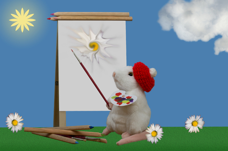 The mouse paints flowers with brushes and pens in nature.