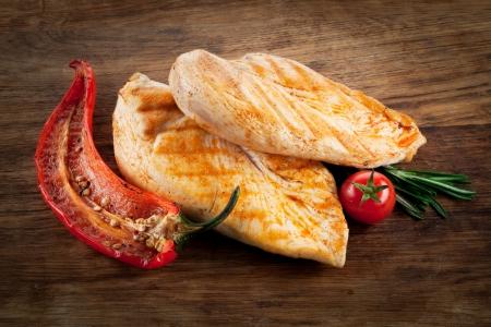 hot breast: Куриная грудка с перцем и Tomatoe по дереву
