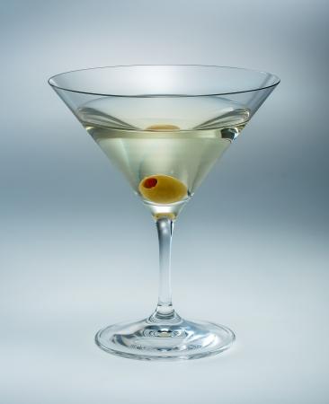 verm�: Martini con vermouth aceituna aislado