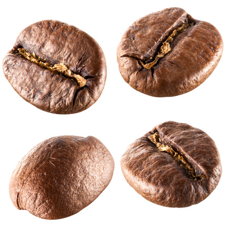 semilla de cafe: Los granos de caf? aislados