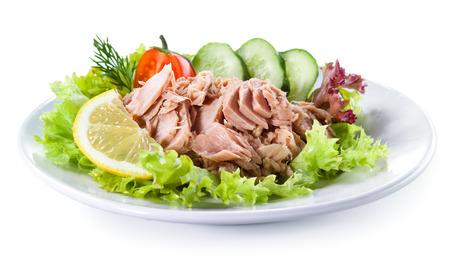 ensalada: El atún en conserva con ensalada de verduras Foto de archivo