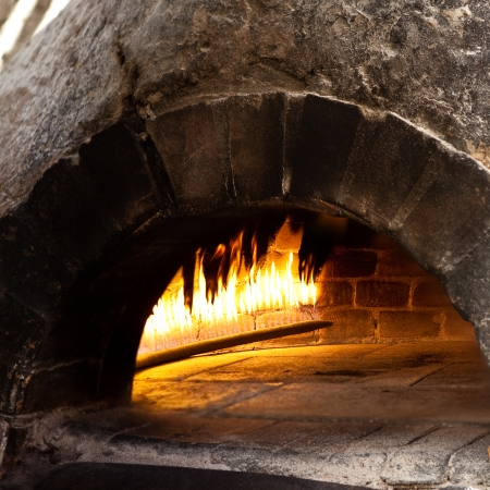 pizza oven: A traditional oven for cooking and baking pizza.