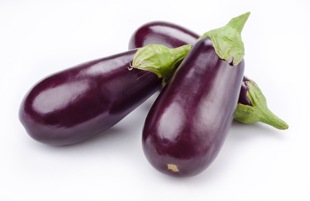 Aubergine  eggplant  isolated on white Stok Fotoğraf - 25600046