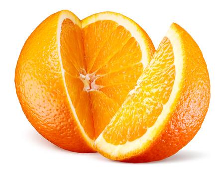 naranja fruta: Fruta anaranjada con el corte aislado en blanco