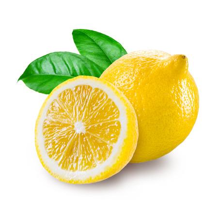 白い背景に分離された半分のレモン