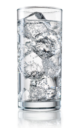 tall glass: Glass of mineral water with ice.