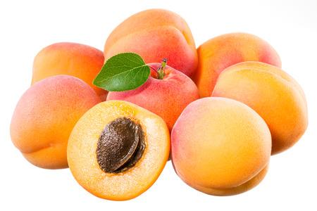 apricot kernels: Apricots