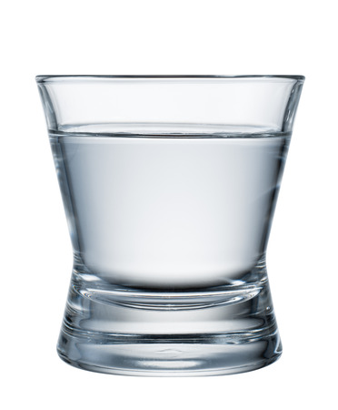 acqua bicchiere: Water glass isolated on white. With clipping path