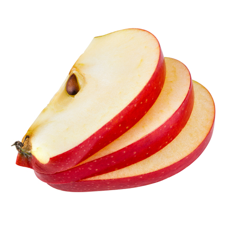 manzanas: rodajas de manzana aisladas en blanco. Con trazado de recorte Foto de archivo
