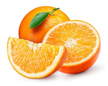fruit orange: frutas de color naranja con la hoja aislada en blanco.