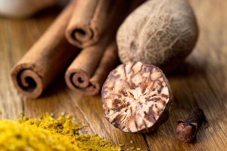 nutmeg: Nutmeg and cinnamon