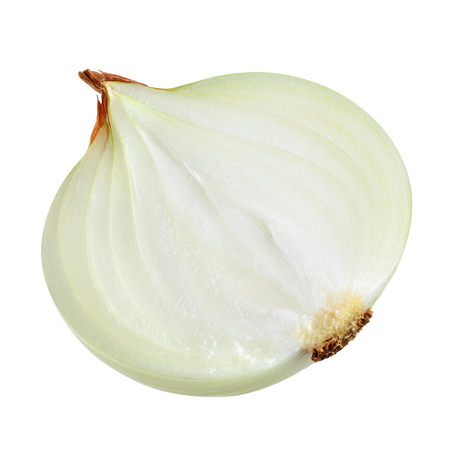 cebolla blanca: Half of onion bulb isolated on white. With clipping path.