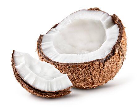 Kokos. Kokosnoot half en stuk geïsoleerd. Kokos wit. Volledige scherptediepte. Stockfoto