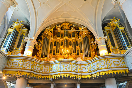 pipe organ: the largest mechanical organ in the world until 1968