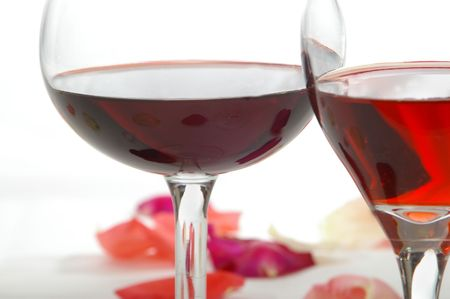 ferment: Two wine varieties in an elegant setting. Stock Photo