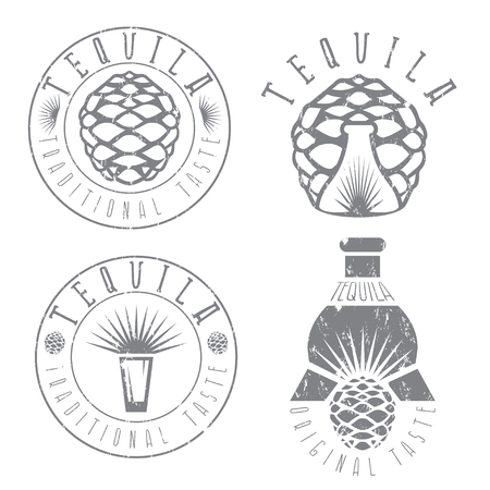 Tequila Vintage Grunge-Set von Etiketten mit Agave und Flaschen