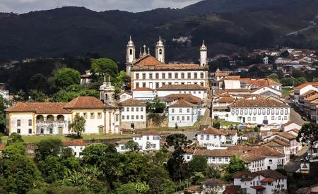 De oude stad van Ouro Preto in het zonlicht Stockfoto
