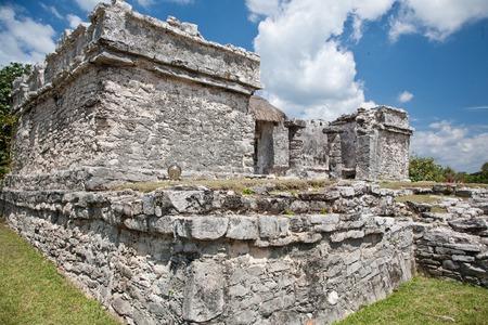 caribe: Wide angle view of Mayan ruins.