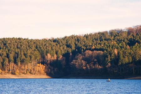 Het meer Sorpe in Duitsland