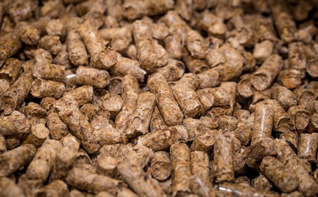 holzbriketts: Holzbriketts für Festbrennstoffkessel, Nahaufnahme