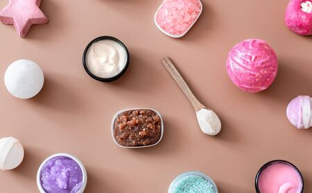 Spa composition with body care items on a colored background . Spa and body care concept . Flatlay. Фото со стока