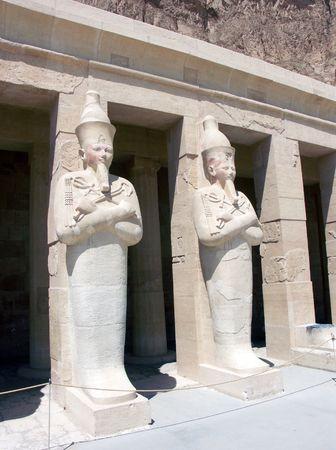 여왕 하트셉수트, 하트셉수트 사원, 이집트의 동상