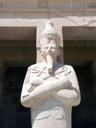 여왕 하트셉수트, 하트셉수트 사원, 이집트의 동상 스톡 콘텐츠 - 605708
