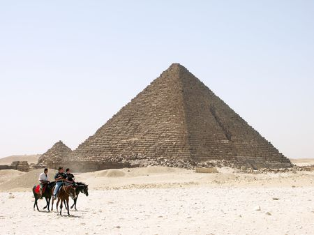 tremendous: The pyramid of Menkaure