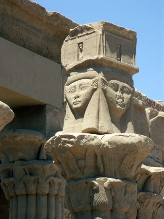 フィラエ神殿、エジプトの柱の上 写真素材