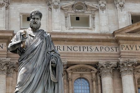 ciudad del vaticano: Estatua de San Pedro en Ciudad del Vaticano, Roma