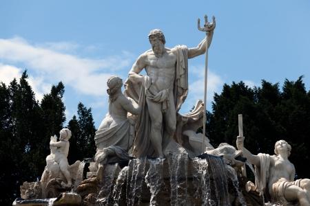 The Neptune Fountain at the Schonbrunn Palace, Vienna, Austria  Archivio Fotografico