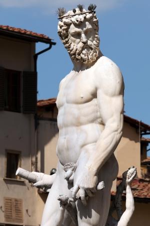 Statue of Neptune in the Fountain of Neptune  1565  by Bartolomeo Ammannati in Florence, Italy Banco de Imagens