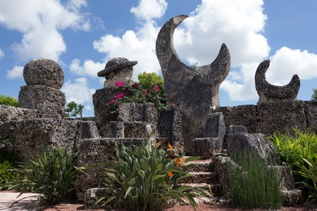 Coral Castle is a stone structure created by the Latvian American eccentric Edward Leedskalnin (1887–1951) north of the city of Homestead, Florida in Miami-Dade County Stok Fotoğraf - 32535014