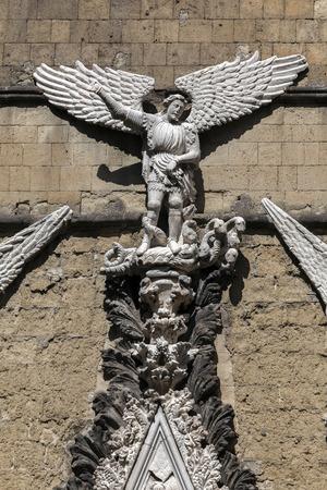 cappella: Cappella Pappacoda en Nápoles, Italia fue construido en 1415 y nombrado después de que el consejero del rey Ladislao de Anjou, Artusio Pappacoda.