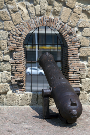 Cannons of the Castel dellOvo in Naples, Italy. During the Italian Wars, in the Neapolitan Republic of 1799 the castle guns were used by rebels to deter the philo-Bourbon population of the city.