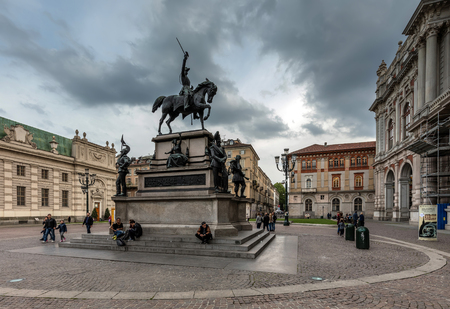 alberto: TURIN, ITALY - APRIL 23 2016: Equestrian monument to the king Charles Albert of Sardinia in Piazza Carlo Alberto in Turin was sculpted by Carlo Marochetti in 1861. Editorial