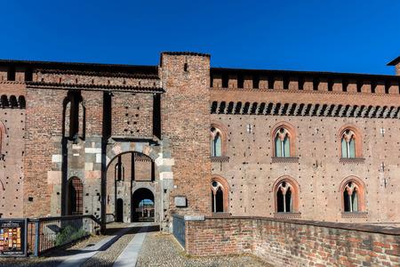 パヴィア、イタリア - 2016 年 4 月 25 日: ヴィスコンティ パヴィーア ...