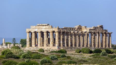 Temple E (490-480 voor Christus) in Selinunte, gedacht te worden gewijd aan Hera, beschouwd als een van de mooiste voorbeelden van Dorische architectuur in Sicilië.