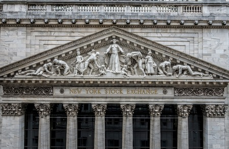 Closeup of the limestone pediment on the facade of the world famous New York Stock Exchange building on Wall Street, sculpted by John Quincy Adams Ward in 1904 스톡 콘텐츠