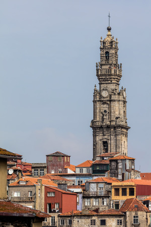 Clerics Tower, designed by the Italian architect Nicolau Nasoni between 1732 and 1763 had became the architectural and visual icon of Porto. Imagens