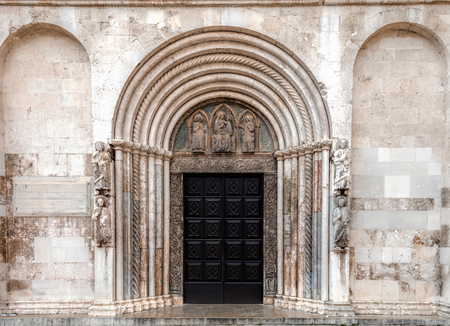 Entrance to the Zadar Cathedral of St. Anastasia in Zadar, Croatia, constructed in the Romanesque style during the 12th and 13th centuries. Stok Fotoğraf